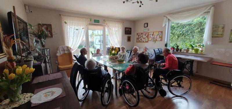 starsze osoby nawózkach